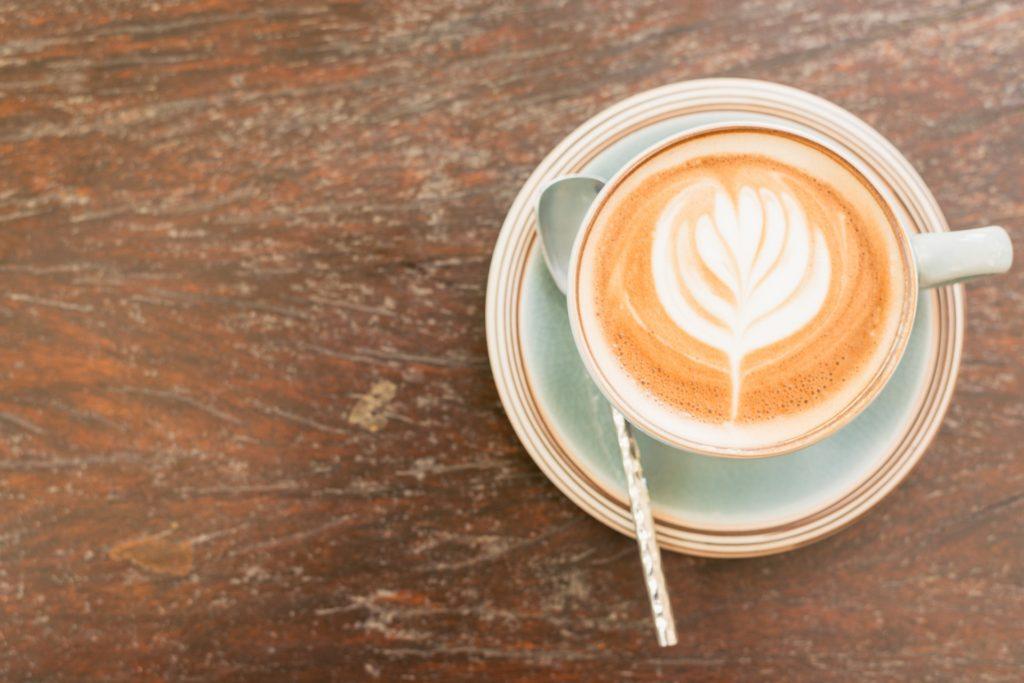 Almacenamiento de cocina con cafe
