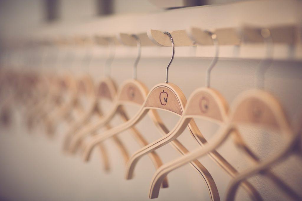 perchas madera